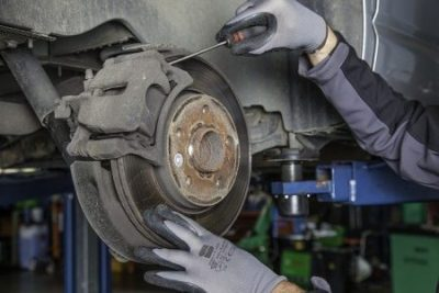 How To Change Brake Pads On A GMC Sierra 1500 By Own